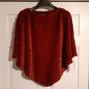 BLACK RIVET Women's Faux Fur Poncho Shawl Red L/XL